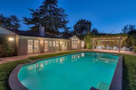 house pool party pool party ready see leonardo dicaprio s california ranch house