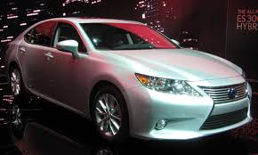 lexus es300h used car file 2013 lexus es300h 2012 nyias jpg wikimedia commons