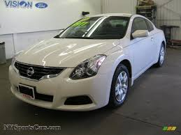 2010 nissan altima 2 5 s coupe in winter frost white 131842