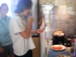 la cuisine des mousquetaires anguille parodie de maité et micheline dans la cuisine des mousquetaires