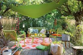 petit salon de jardin pour terrasse idée aménagement déco jardin tout pour une terrasse