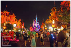 tina elizabeth photography celebrating halloween at disney world