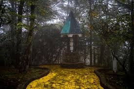 so there u0027s an eerie abandoned wizard of oz theme park in