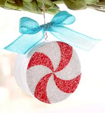 peppermint photo ornament tutorial by storms u create