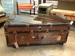 steamer trunk side table trunk coffee tables steamer trunk coffee table with drawers tables