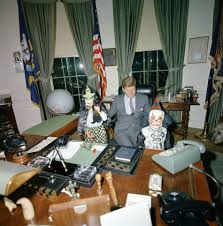 Oval Office Pics Awesome Jfk Oval Office Desk Filemeeting With Finance Minister Jfk