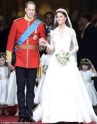 forget kate middleton u0027s dress it u0027s princess diana u0027s bridal gown
