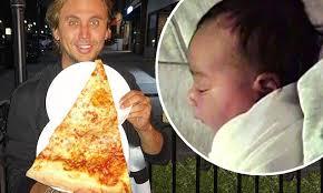 jonathan cheban sent kim kardashian 20 boxes of pizza daily mail