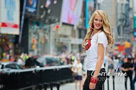 photographers in nyc destination senior photographer new york city carrie