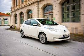 nissan leaf australia 2016 nissan leaf vehicles vulnerable to hackers carmaker working on a
