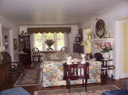 Holland Michigan Bed And Breakfast Inn Dutch Colonial Inn Bed - Colonial living room design