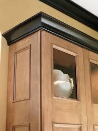 Crown Moulding For Kitchen Cabinets Cutting Crown Moulding On Kitchen Cabinets Oropendolaperu Org