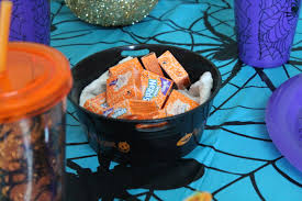 how to have a halloween party on a budget a little craft in