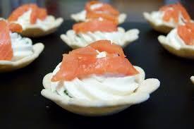 canap au saumon fum et mascarpone mini tartelettes au saumon et mascarpone les gour mandises de céline