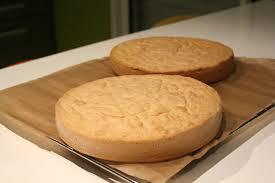 cuisine facile pour d饕utant faire une génoise nature au goût biscuit à la cuillère facile pour