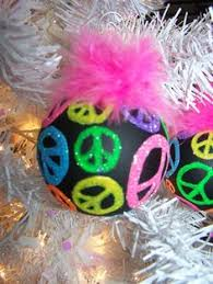 how to make a peace sign ornament wreath this would look
