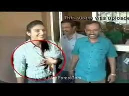 Shocking Samantha In Public Herased   Samnatha Boobs Press