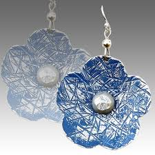aluminum earrings earrings flower blue je2332 christopher park gallery