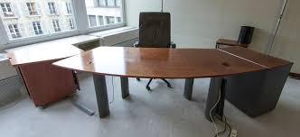 bureau arrondi bureau de direction arrondi en placage de loupe a quatre pieds