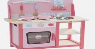 vertbaudet cuisine bois cuisine enfant vertbaudet great lit enfant vertbaudet frais cuisine