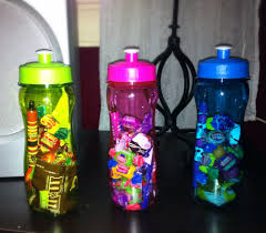 party favors ideas water bottle pens chocolate bars gum nail fruit snacks