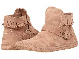 ugg womens amely shoes fawn 29 best ugg moccasins images on ugg boots moccasins