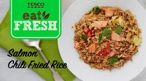 membuat nasi goreng cur telur salmon chili fried rice tesco recipe youtube