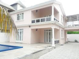 beautiful bungalow for rent at flic en flac 5 mins from the beach