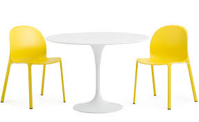 Round Plastic Patio Tables by Saarinen Outdoor Round Dining Table Hivemodern Com