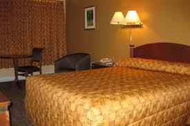 chambre de motel hôtel motel matagami hotels matagami lodging québecoriginal