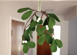 how to make felt mistletoe craft materials simple crafts and