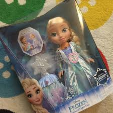 disney frozen northern lights elsa music and light up dress review frozen northern lights elsa doll what the redhead said