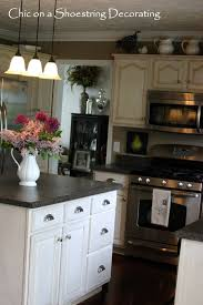 Chic On A Shoestring Decorating How To Change Your Kitchen - Knobs and handles for kitchen cabinets