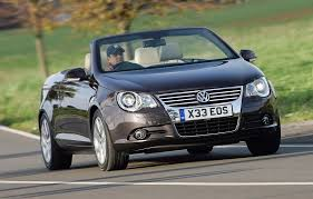 volkswagen convertible eos used volkswagen eos coupe cabriolet review 2006 2014 parkers