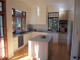 brisbane kitchen design sherwood contemporary kitchen 2 tone 2pac timber grain laminate 1 jpg