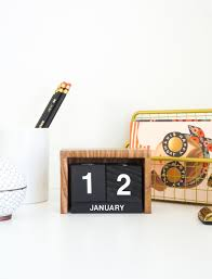 flip clock inspired desk calendar