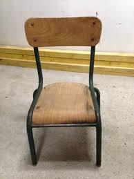 chaise d colier je renove une chaise d écolier je rénove