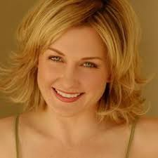 amy carlson new short haircut on blue bloods still of amy carlson in blue bloods i love linda s character