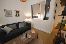 chambre de sejour cloison séparatrice entre le séjour et la chambre équippée d une