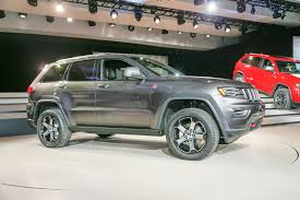 jeep trailhawk 2016 2017 jeep grand cherokee trailhawk summit first look review