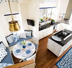k che hellblau schicke sitzecke küche für kleine küche in weiß freshouse