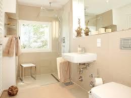 siege baignoire handicapé agencement salle de bain seniors et handicapés sur la baule et