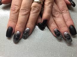 easy nail art black silver tape mani youtube missbellatracey