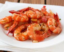 comment cuisiner les crevettes congel馥s crevettes à l ail recette de crevettes à l ail marmiton