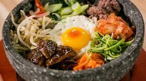 cuisine cor馥nne recette la recette d un plat traditonnel coréen le bibimbap rtbf max et