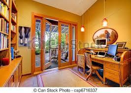 sous cheval bureau porte bureau pont jaune maison ouvert cheval bureau