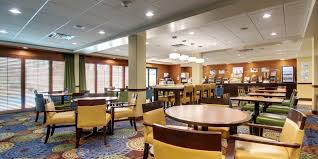 Courts Furniture Store Jamaica Queens by Holiday Inn Express U0026 Suites Jacksonville Se Med Ctr Area Hotel