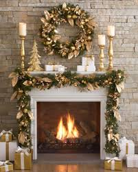 Indoor Reindeer Decorations For Christmas by Best 25 Christmas Mantles Ideas On Pinterest Christmas Mantle