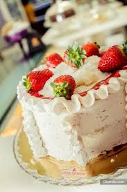 strawberry cake picture of cake design cupcakes u0026 bakery bari