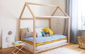 chambre montessori amenager la chambre de bebe get green design de maison